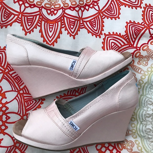 4cd0b111b366 Tom s Petal Pink Grosgrain Women s Wedges. M 5a63c853a44dbe32e553ec08.  Other Shoes ...